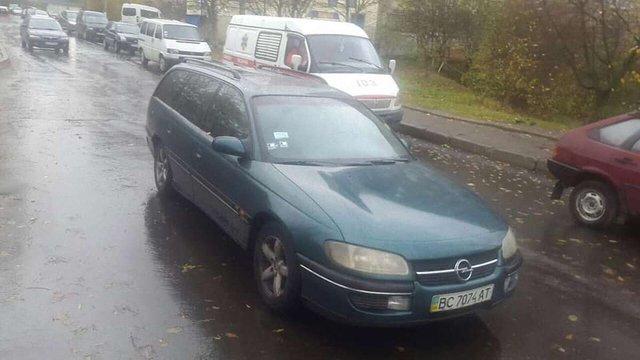 50-річний львів'янин помер від серцевого нападу за кермом автомобіля