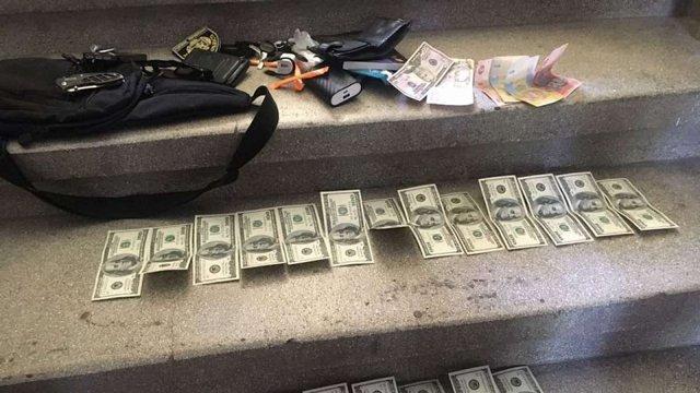 Слідчого Сихівського райвідділу поліції оштрафували на 25 тис. грн за хабар у 130 тис. грн