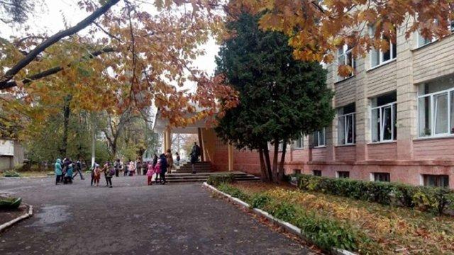 Школу в Рівному евакуювали після розпорошення сльозогінного газу