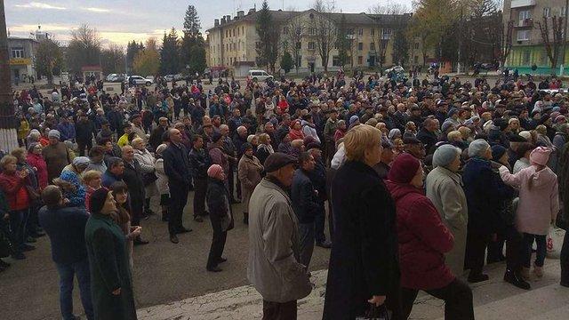 Мешканці Нового Роздолу вийшли на мітинг через зрив опалювального сезону