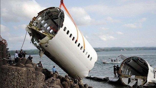 Індонезійські рятувальники заявили, що в катастрофі Boeing-737 ніхто не вижив