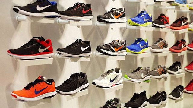 Nike подала до суду на івано-франківських підприємців за торгівлю фальшивими кросівками