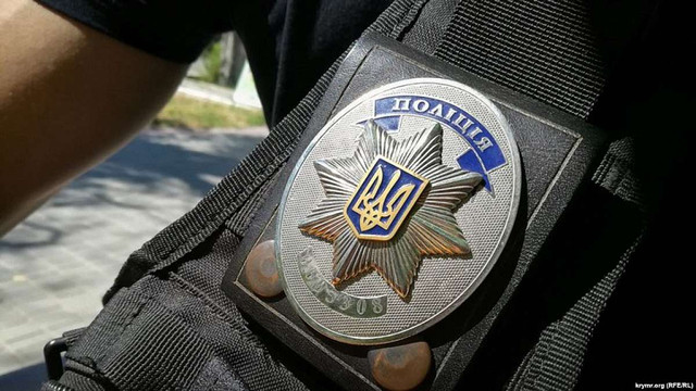 Поліцейський у Чернівцях побив перехожого через зауваження про паркування