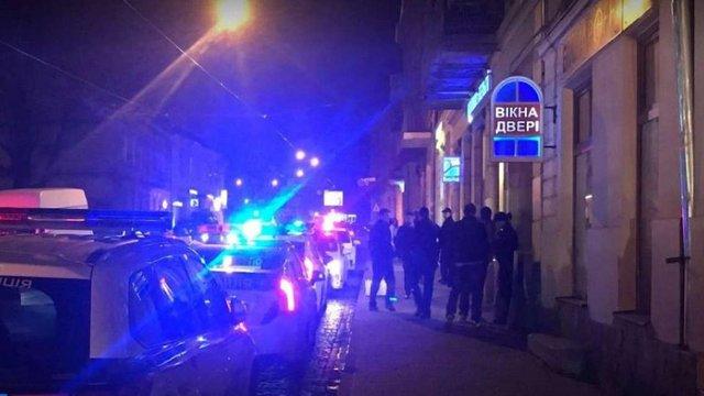 У Львові п'яний чоловік влаштував стрілянину на вул. Личаківській