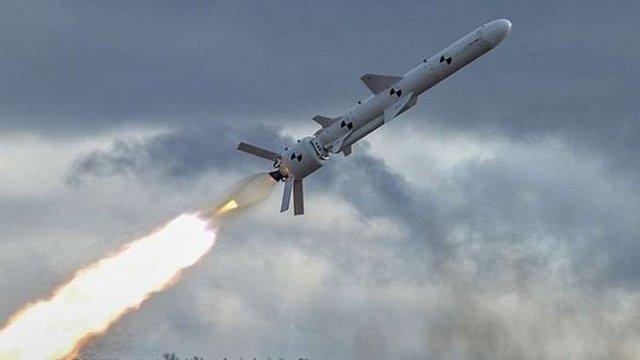 Україна на чотири дні частково закрила для польотів повітряний простір над Чорним морем