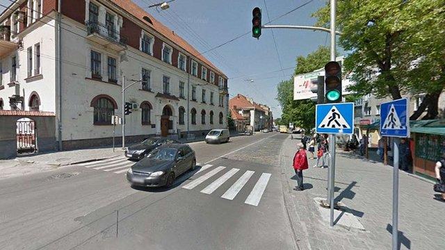 На пішохідному переході біля «Львівводоканалу» вантажівка збила пенсіонерку