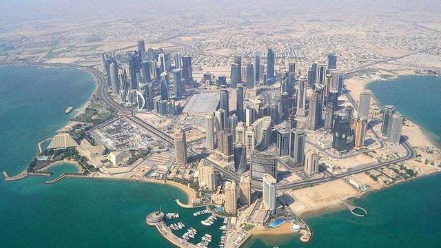 Українці відсьогодні можуть подорожувати до Катару без віз