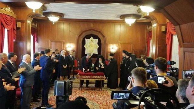 Порошенко і Варфоломій підписали угоду про співпрацю між Україною і Вселенським патріархатом