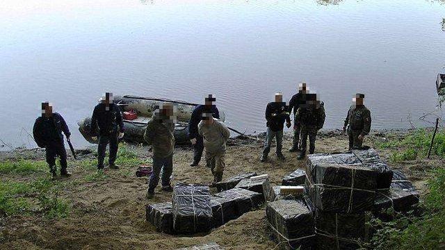 В Угорщині засудили банду контрабандистів, які переправляли сигарети з України
