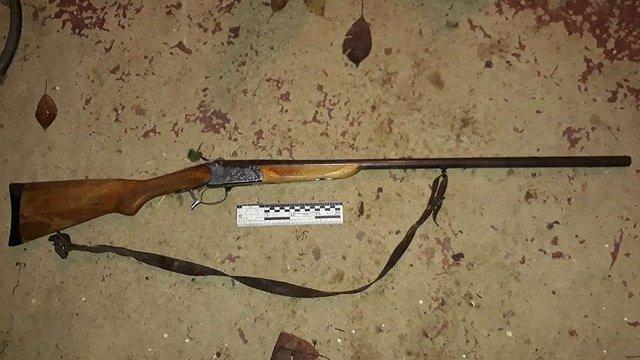 На Закарпатті чоловік хотів відлякати собаку, а випадково застрелив свою родичку