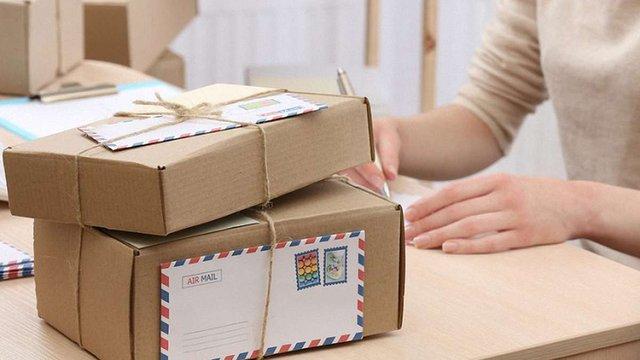 Кабмін запропонував оподатковувати міжнародні посилки вартістю від 100 євро