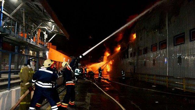 Рятувальники ліквідували масштабну пожежу на олійному заводі на Одещині