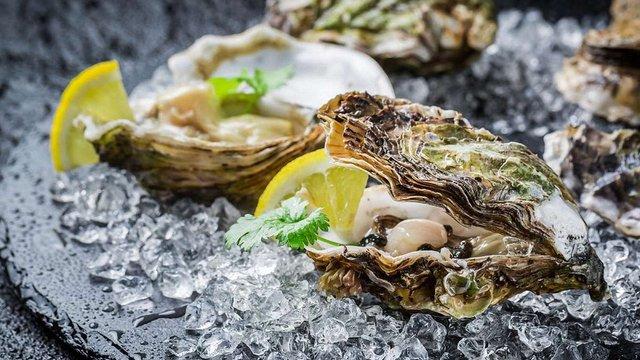 Море морепродуктів у ф'южн-ресторані клубу Split