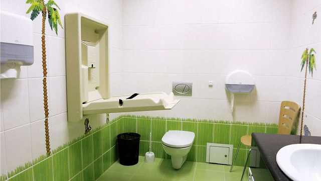 У львівських медзакладах облаштували 22 кімнати для годування та перевдягання немовлят