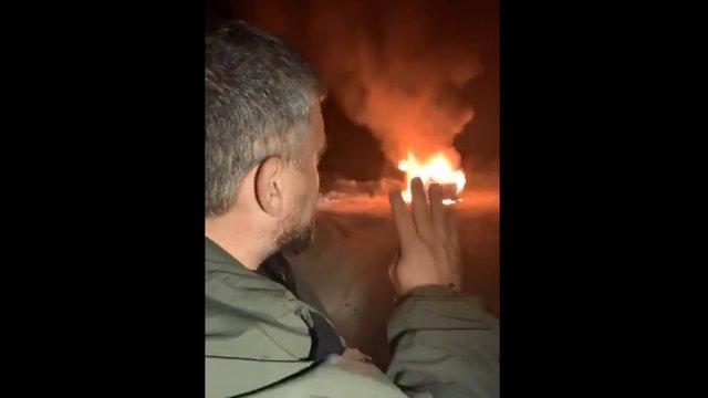 Активіст на знак протесту спалив свій Land Rover на єврономерах