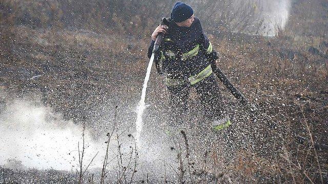 На Сокальщині рятувальники ліквідували масштабну пожежу на торфовищі