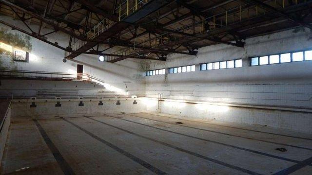 Реконструкцію  басейну у Буську проводитиме фірма, яка раніше незаконно демонтувала дах об'єкту