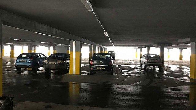Частину багаторівневого паркінгу ТРЦ Victoria Gardens перетворять на офіси