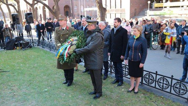 В Угорщині відкрили пам'ятник жертвам Голодомору в Україні