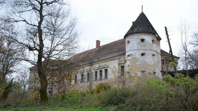 Поморянський замок хочуть передати у власність Львівської облради