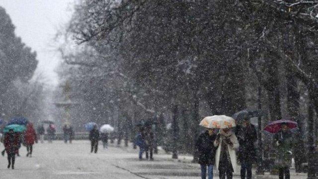 У вівторок снігопади накриють всю територію України