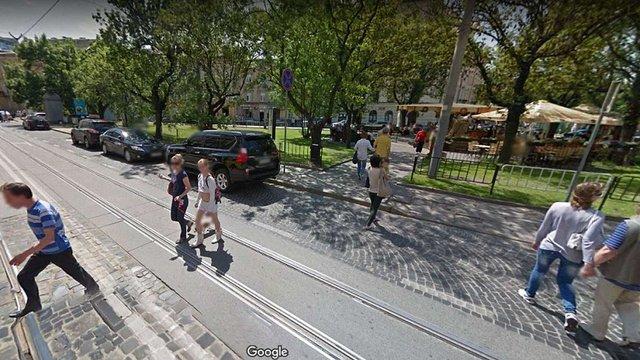 У центрі Львова заборонили небезпечний пішохідний перехід