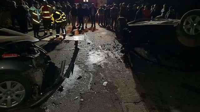 На Закарпатті у ДТП з перекиданням авто загинуло двоє чоловіків, ще двох травмовано