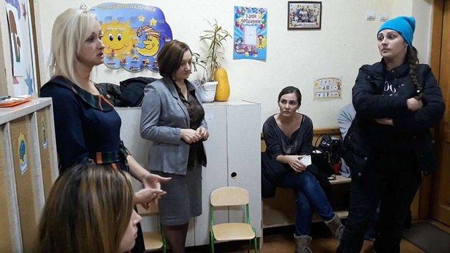 У Чернівцях батьки звинуватили завідувачку дитячого садка у здирництві