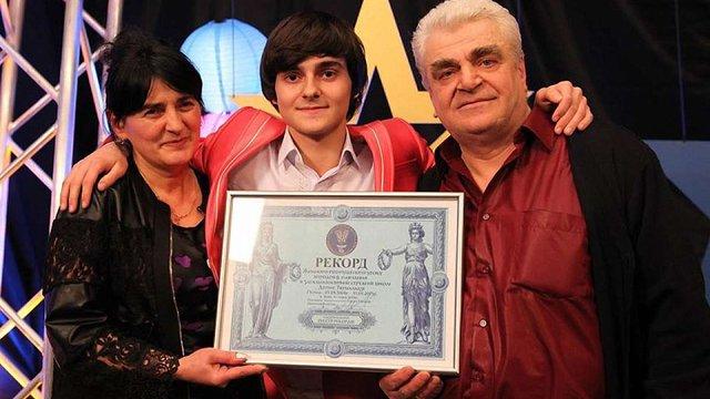 Учень з Харкова не пропустив жодного уроку в школі і встановив рекорд України
