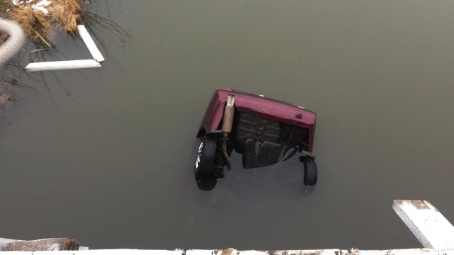 В ДТП на Рівнещині двоє людей загинули, злетівши з моста у водойму
