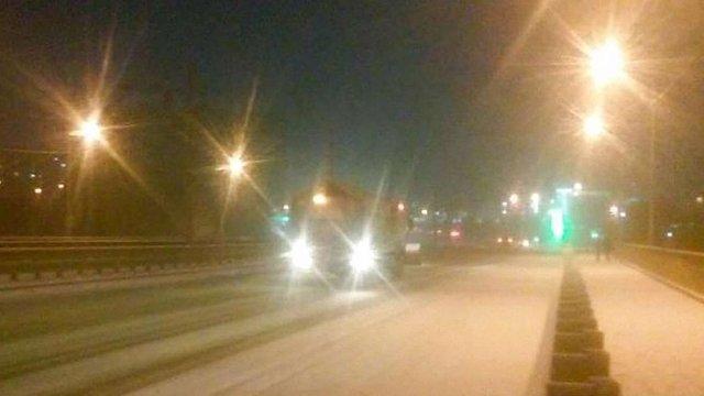 Львівські комунальники готуються до сніжної ночі