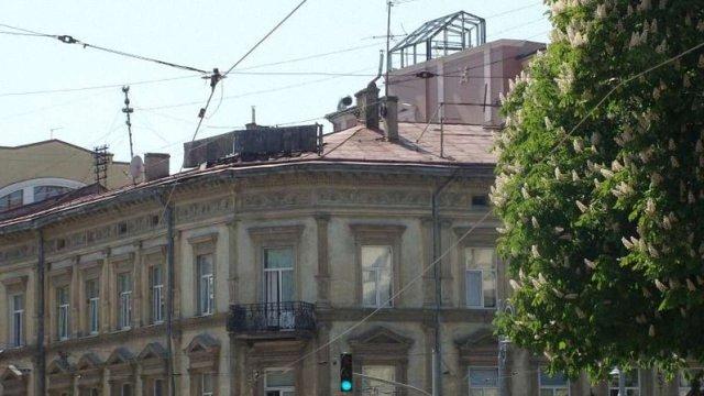 «Гранд Готель» через суд скасував штраф за незаконну надбудову