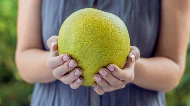 Держспоживслужба повідомила про виявлені пестициди в завезених з Китаю фруктах помело