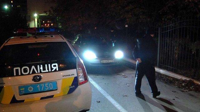 На Івано-Франківщині п'яний сільський голова з рушницею намагався втекти від поліції