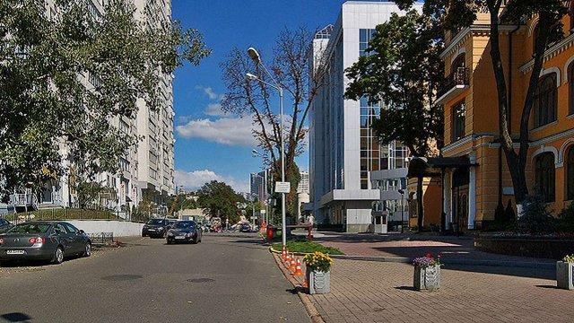 У Києві перейменували вулицю Тверську на честь Єжи Ґедройця
