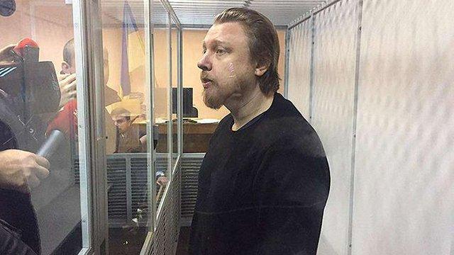 Суд відправив під домашній арешт політтехнолога Володимира Петрова