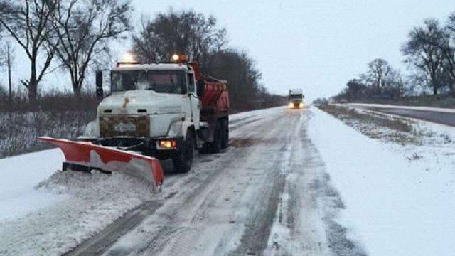 «Укравтодор» назвав регіони, де ускладнений рух через снігопади