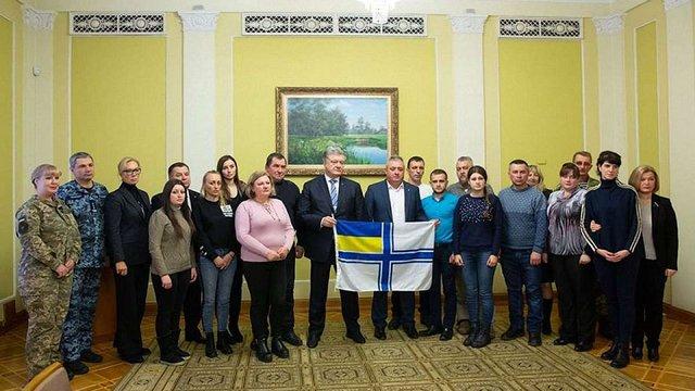 Затримані українські моряки є військовополоненими і не підсудні жодному суду Кремля, – Порошенко