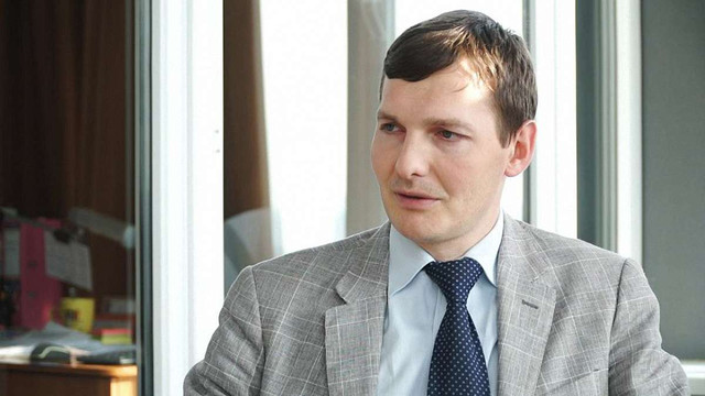 Заступник генерального прокурора переписав свою нерухомість на батька