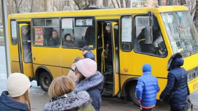 Водій маршрутки на Тернопільщині врятував пасажира з інсультом