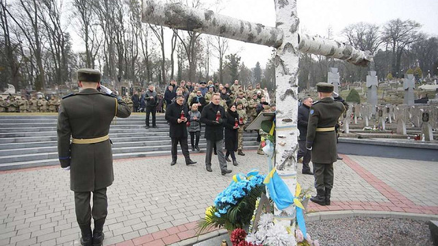 На Личаківському кладовищі молитвою вшанували пам'ять загиблих військовослужбовців