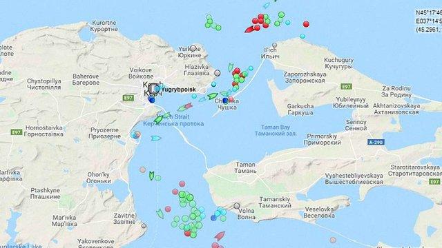 Росія заблокувала рух майже півтори сотні кораблів поблизу Керченської протоки