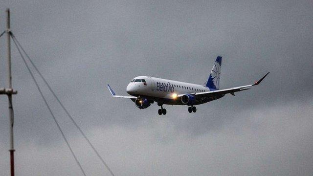 Під час посадки в «Борисполі» білоруський літак викотився за межі посадкової смуги