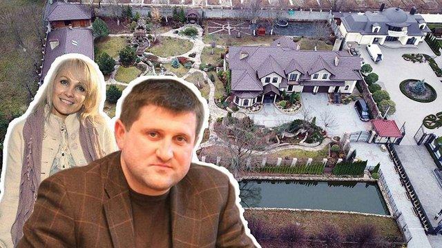 Сім'я розшукуваного екс-голови «Укртранснафти» зняла арешт з його маєтку
