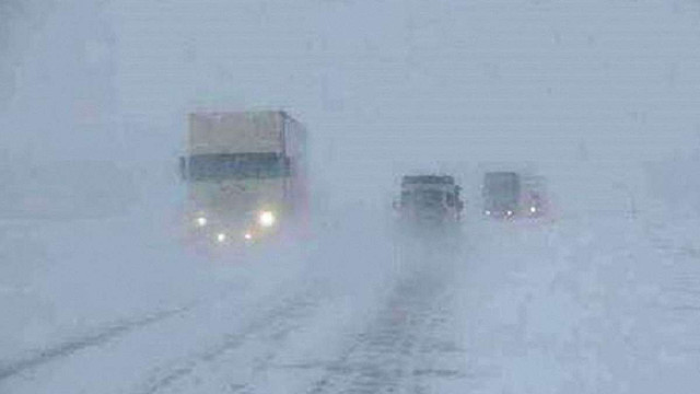 Поліція обмежила рух габаритного транспорту в Київській та Житомирській областях