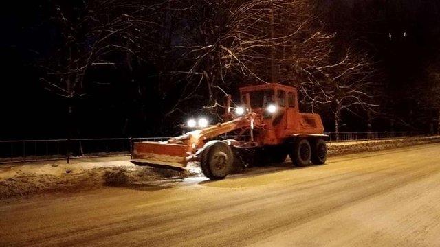 Зранку вулиці Львова прибирало 76 снігоочисних машин