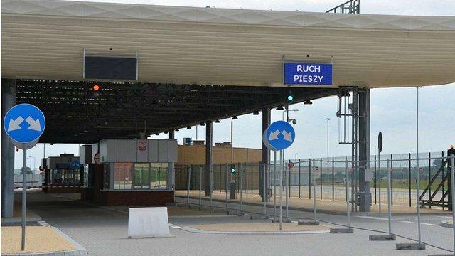 Польща закриває один з двох пішохідних пунктів пропуску на кордоні