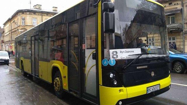 На маршрут №8 до Брюховичів планують запустити ще два низькопідлогові автобуси
