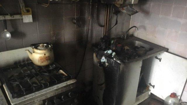 91-річну львів'янку госпіталізували з отруєнням після пожежі у її квартирі