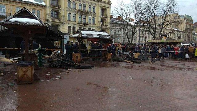 У Львові через вибух зупинили роботу різдвяного ярмарку